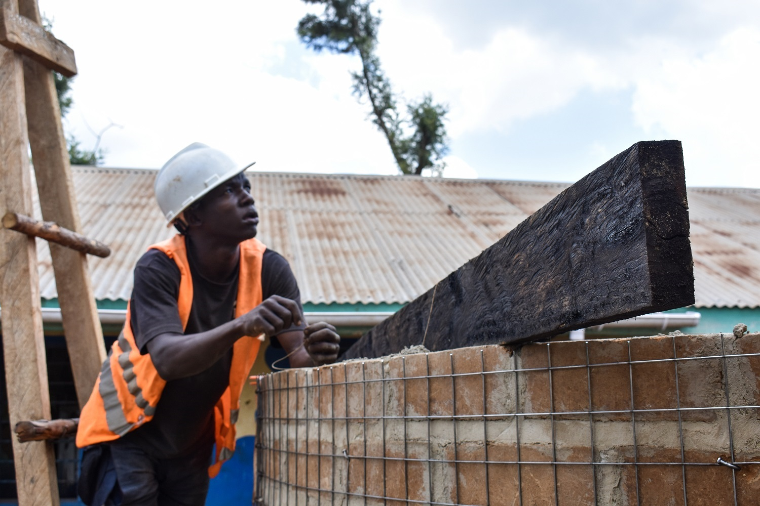 Roofing the water tank