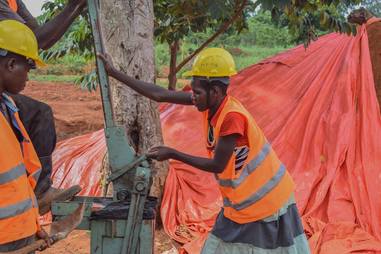 HYT Uganda ISSB construction press at Kayembe Primary School